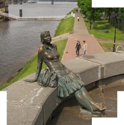 pamyatnik-ustavshey-turistke