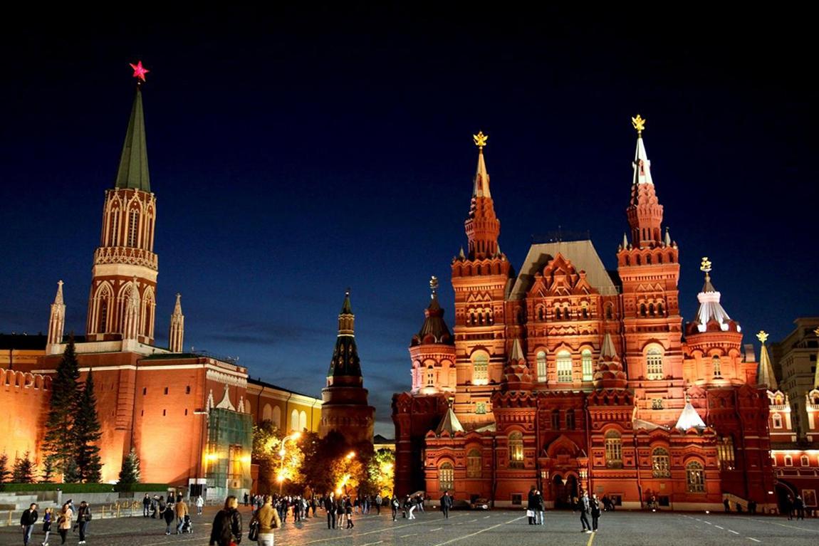 Вид_на_Исторический_музей,_Красная_Площадь,_Москва