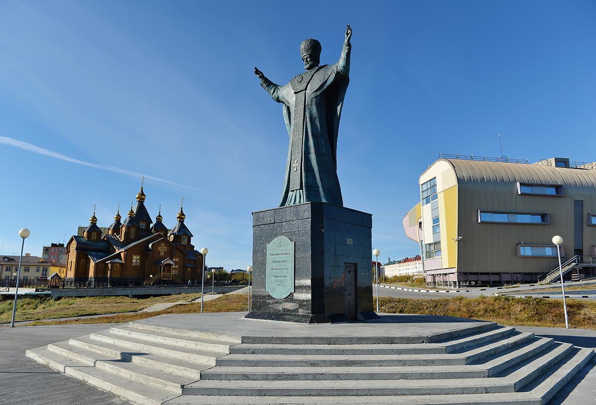 памятник Николаю Чудотворцу в Анадыре