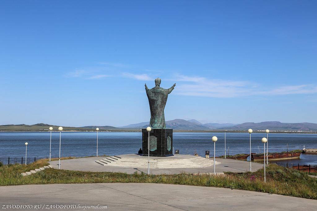 памятник святителю Николаю Чудотворцу в Анадыре