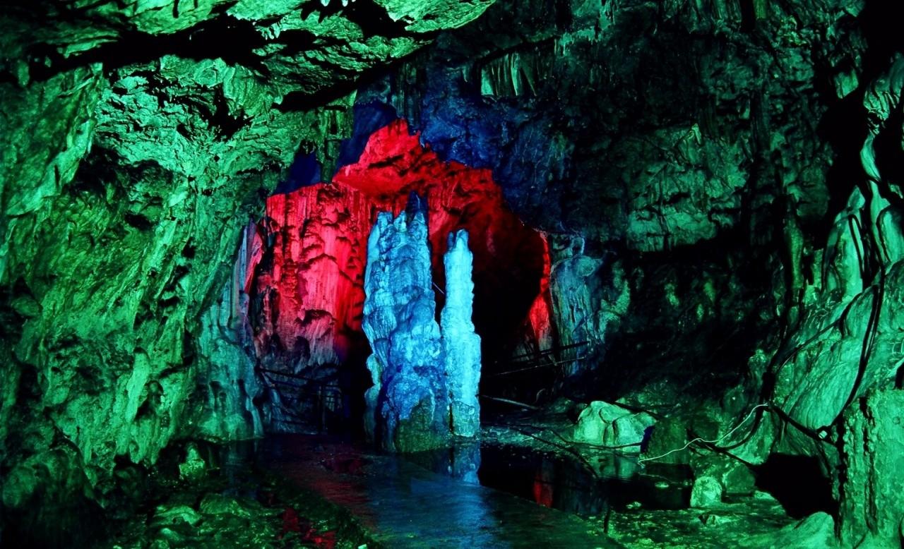 Азишская пещера