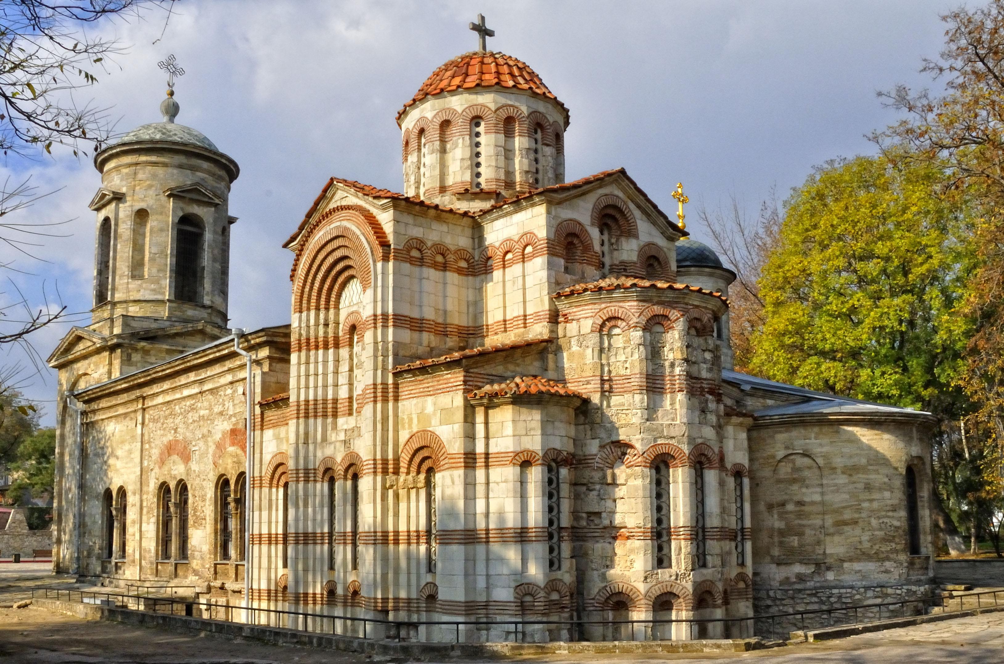 самый старый храм в России